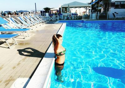 spiaggia-122-riccione-con-piscina-direttamente-in-spiaggia
