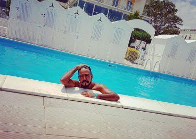 spiaggia-122-riccione-con-piscina-e-cabine